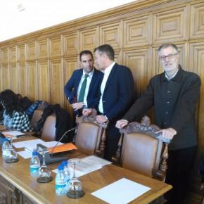 Los grupos de la oposición obligan a retirar varias partidas de la modificación presupuestaria